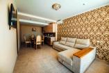 Релакс Семейные Апартаменты        Крым  отдых в Алуште отель с бассейном  Профессорский уголок