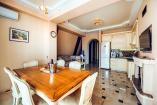 Семейные Апартаменты Премиум  Крым  отдых в Алуште отель с бассейном  Профессорский уголок