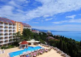 Крым  отдых в Алуште отель с бассейном  Профессорский уголок