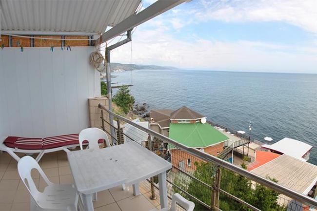 Алушта аренда квартиры дельфин рядом с морем цены  посуточно